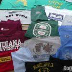 Une sélection de vêtements pour créer un plaid personnalisé en patchwork