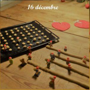 16 décembre, les lutins Lego aident à faire des pebernoedder