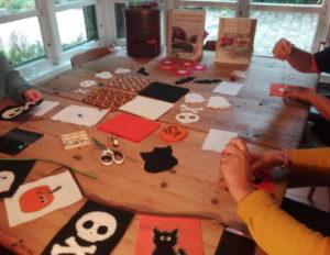 Atelier couture : broderie de fanions de halloween