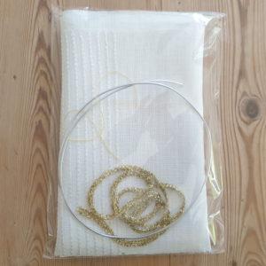 Kit pour créer une couronne de Noël en tissus recyclés