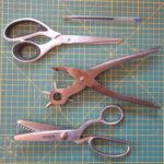 Outils pour créer des coupelles apéro individuelles en faux cuir