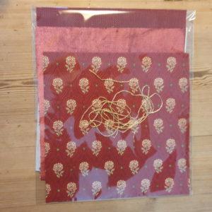 Kit pour fabriquer 9 étiquettes cadeaux en tissu