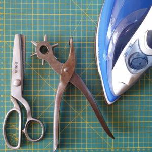 Outils recommandés pour l'activité de fabrication d'étiquettes cadeaux